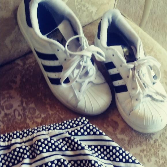 Adidas zapatos kids superestrellas poshmark